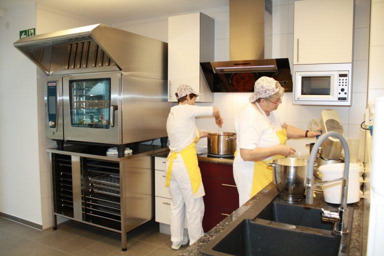 Blick in die Küche in St. Michael